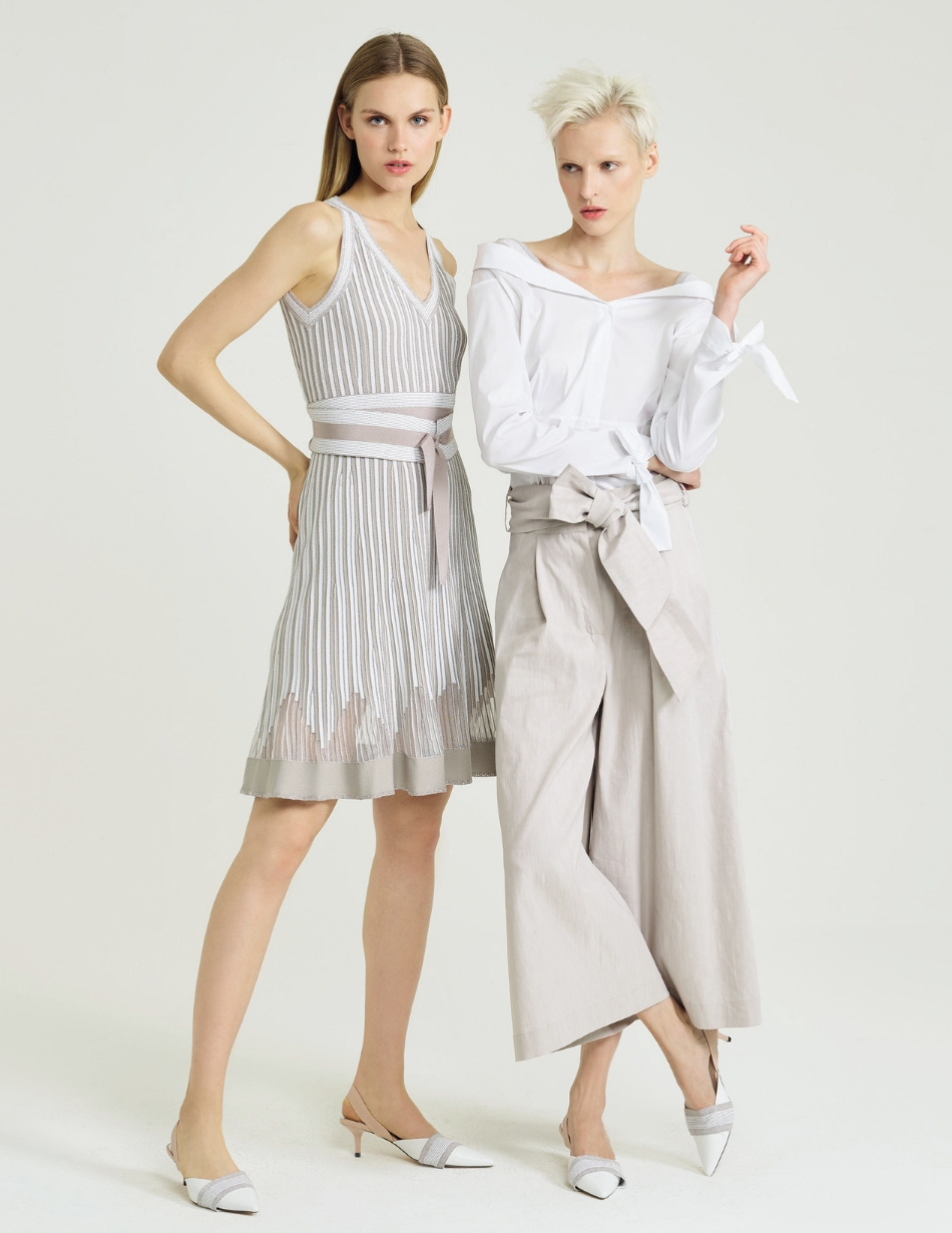 D-Exterior-grey-and-white-dress-snooty-frox
