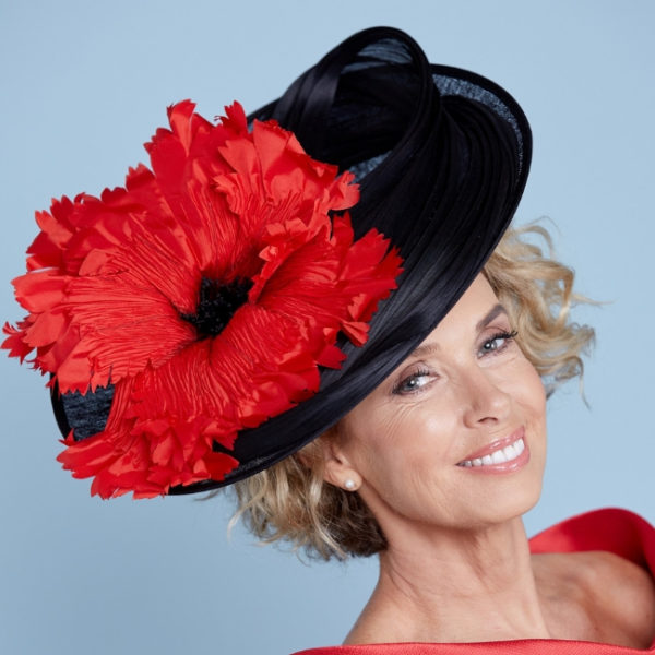 Red poppy hat snooty frox